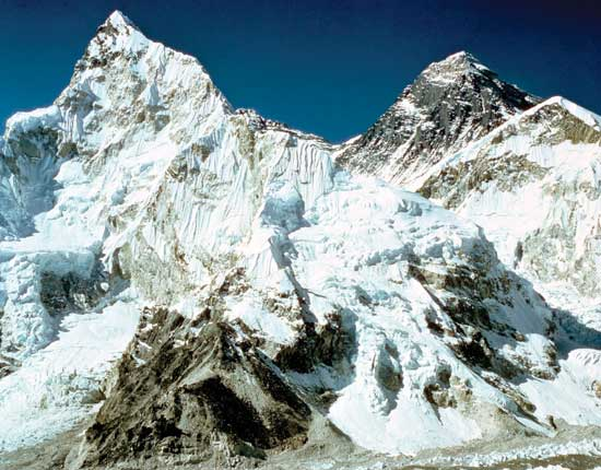 Photo of Mount Everest from Britannica Concise Encyclopedia via Credo Reference database