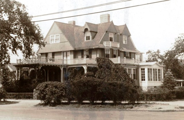 Home of William and Kate Squire Muller at 231 Massachusetts Ave., circa 1910. The building was moved and is still standing at 19 Grafton St. (Robbins Library collection)